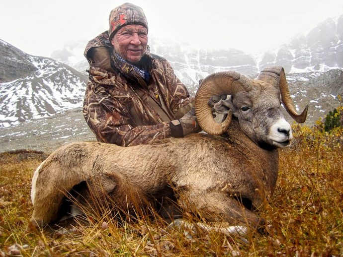 Bighorn Sheep Hunt With Willow Creek Outfitters
